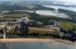 Vue aérienne du camping Ker Eden et de la plage de Locmiquel à Larmor Baden