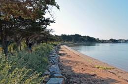 Promenade ou jogging le long du sentier avec vue sur le Golfe du Morbihan