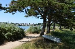 Sentier côtier du Golfe du Morbihan devant le camping