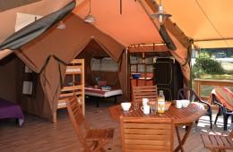 Séjour terrasse de la Tente Lodge
