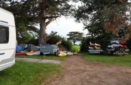Au camping Ker Eden, sentier vers la mer