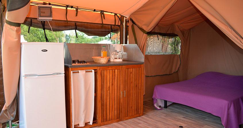 Cuisine de la tente Lodge Camping Ker Eden